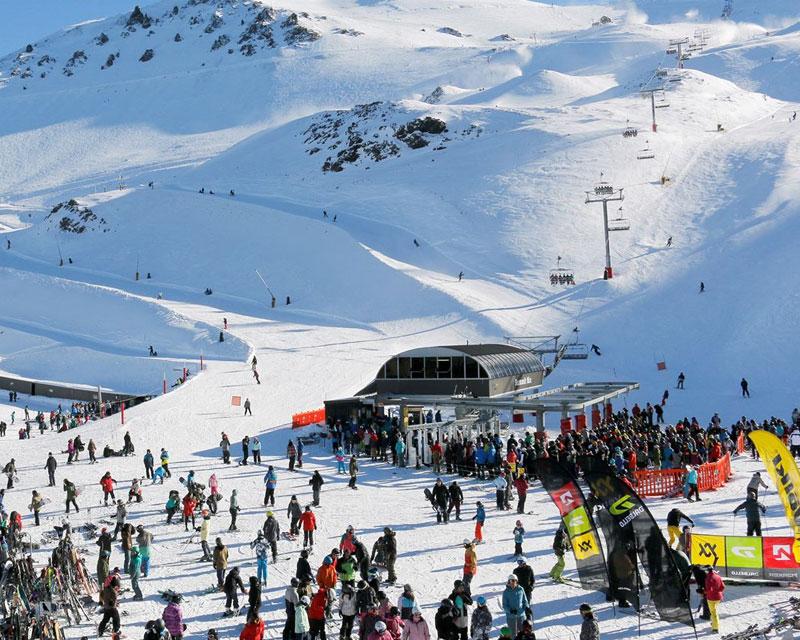 New-Zealand-Hunting-Activities-Skiing-2